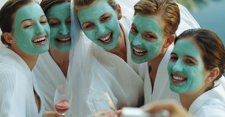 5-women-in-cosmetic-face-mask-1-women-in-veil-952x392